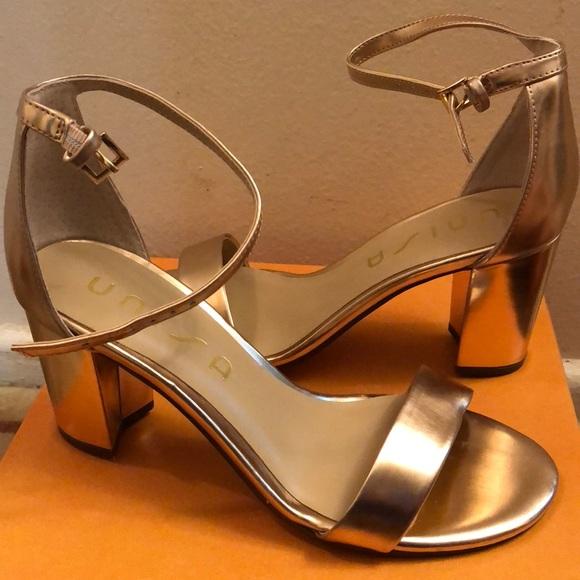 26ebde62d12 NIB Metallic Rose Gold✨Block Heel Sandal Size 7. NWT. Unisa